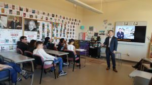 Attorney George Lamarche discusses criminal case with Troy High students.