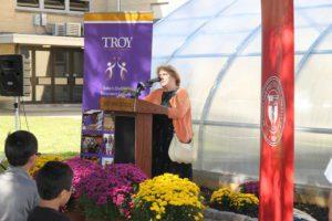 Cynthia Smith addresses the corwn