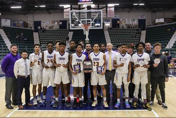 Troy High Boys Basketball win Section 2 Championship